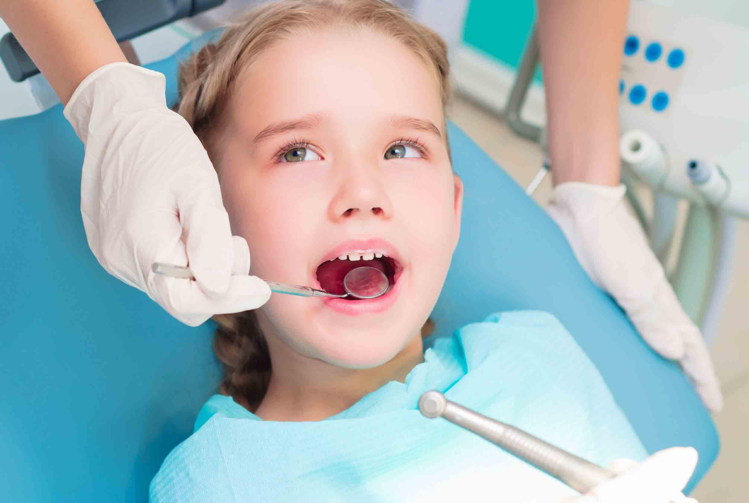 niềng răng trẻ em có đau không