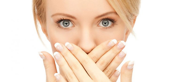 răng khôn dẫn đến hôi miệng